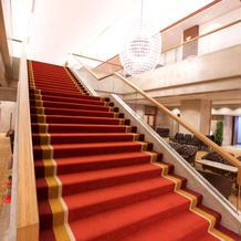 ロビーの大階段