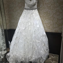 JUNOのドレス