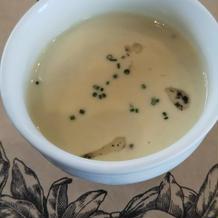 トリュフ(オイル)の香るスープ