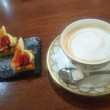 プチデザートとコーヒー