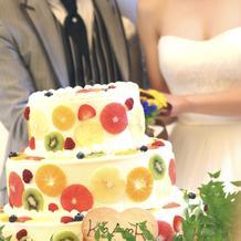 夏らしいウェディングケーキ