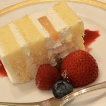 ウェディングケーキの試食