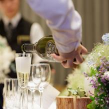 乾杯シャンパン