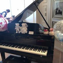 受付ロビー横のピアノ
