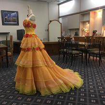 カラードレスの一例だそうです