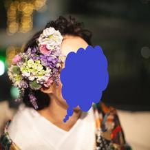 和装は生花のヘッドパーツ