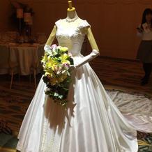 ラプンツェルのウェディングドレス(前)
