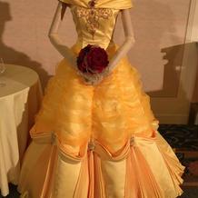ベルのカラードレス