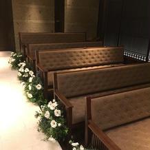 挙式会場のゲスト席