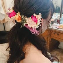 生花と造花のミックスで可愛いかったです!
