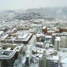 式場から見下ろせる仙台市街の風景