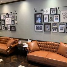 2階会場のソファー