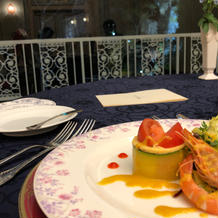 美味しい料理と綺麗な夜景