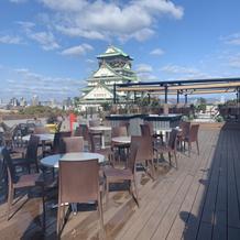 外の披露宴会場は、大阪城が見えます