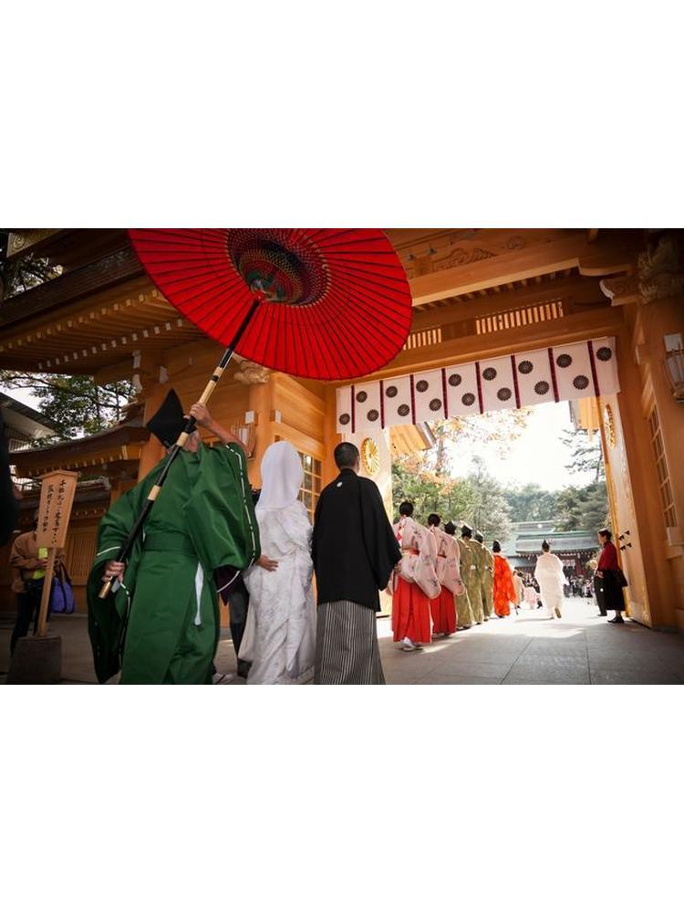 679859d3c16c6 広大な緑の杜の神社で、思い出に残る挙式』by ハチドリさん:大國魂神社 ...