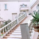 二階大聖堂からガーデンへ続く階段