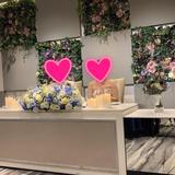 メインテーブルの花は5万