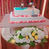 可愛いウェディングケーキになってます。
