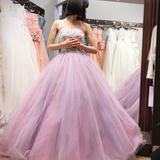 吉川ひなのさんプロデュースのドレス