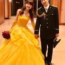 美女と野獣のベルみたいな黄色のドレス