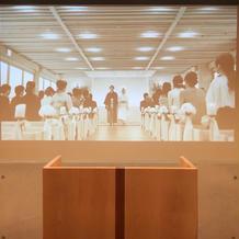プラス挙式会場 人前式で映像使用可能