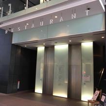 式場へのエレベーター
