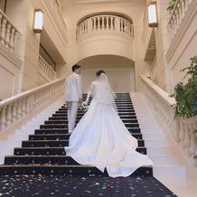 大階段でのドレスはインスタ映えです!