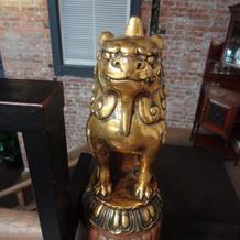 階段にいる獅子。飾り付けできるそうです