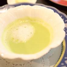 旬のグリーンピースのクリームスープ