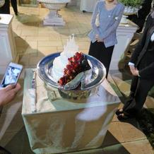 シンデレライメージのウエディングケーキ