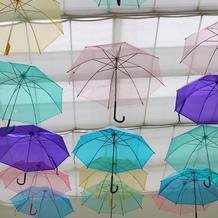 待合室に傘をつるしてもらいました!