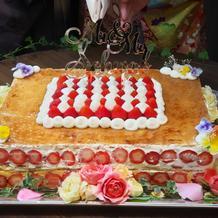 苺のミルフィーユケーキ