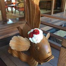 雷魚に装花をプラスしてもらいました