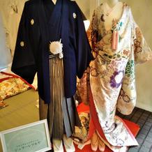 ジュラーレツルヤさんの色打掛と紋付き袴