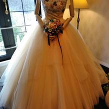 ジュラーレツルヤさんのドレス(黄色)