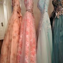 ジュラーレツルヤさんのカラードレス