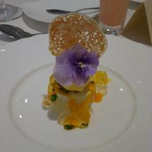 お花が可愛いデザート
