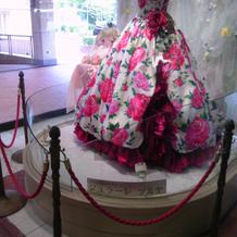 ドレス展示