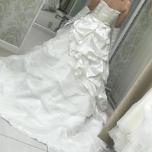 ウエディングドレス後ろ