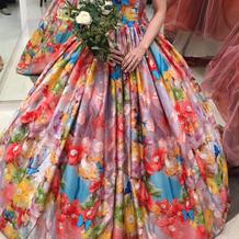 ニナガワミカさんのドレスもあります