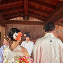 神社で式に向かう途中
