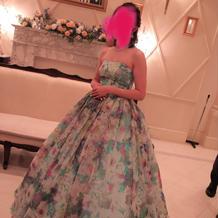 新婦衣装(カラードレス)