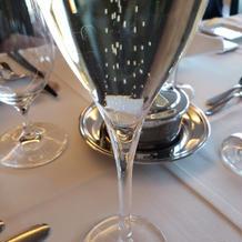 乾杯 スパークリングワイン