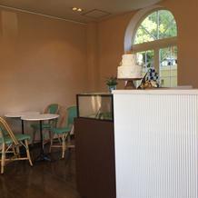 1階にはカフェもあります