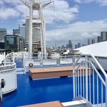 クラシカ号の甲板、屋上
