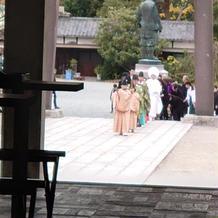 ゲストから見た花嫁行列
