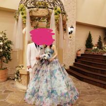 蜷川実花さんのカラードレスです。