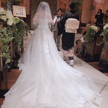 長いトレーン 結婚式