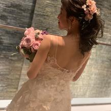 刺繍デザインにこだわったドレス
