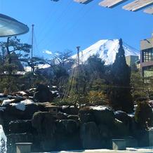 窓から富士山も見えました
